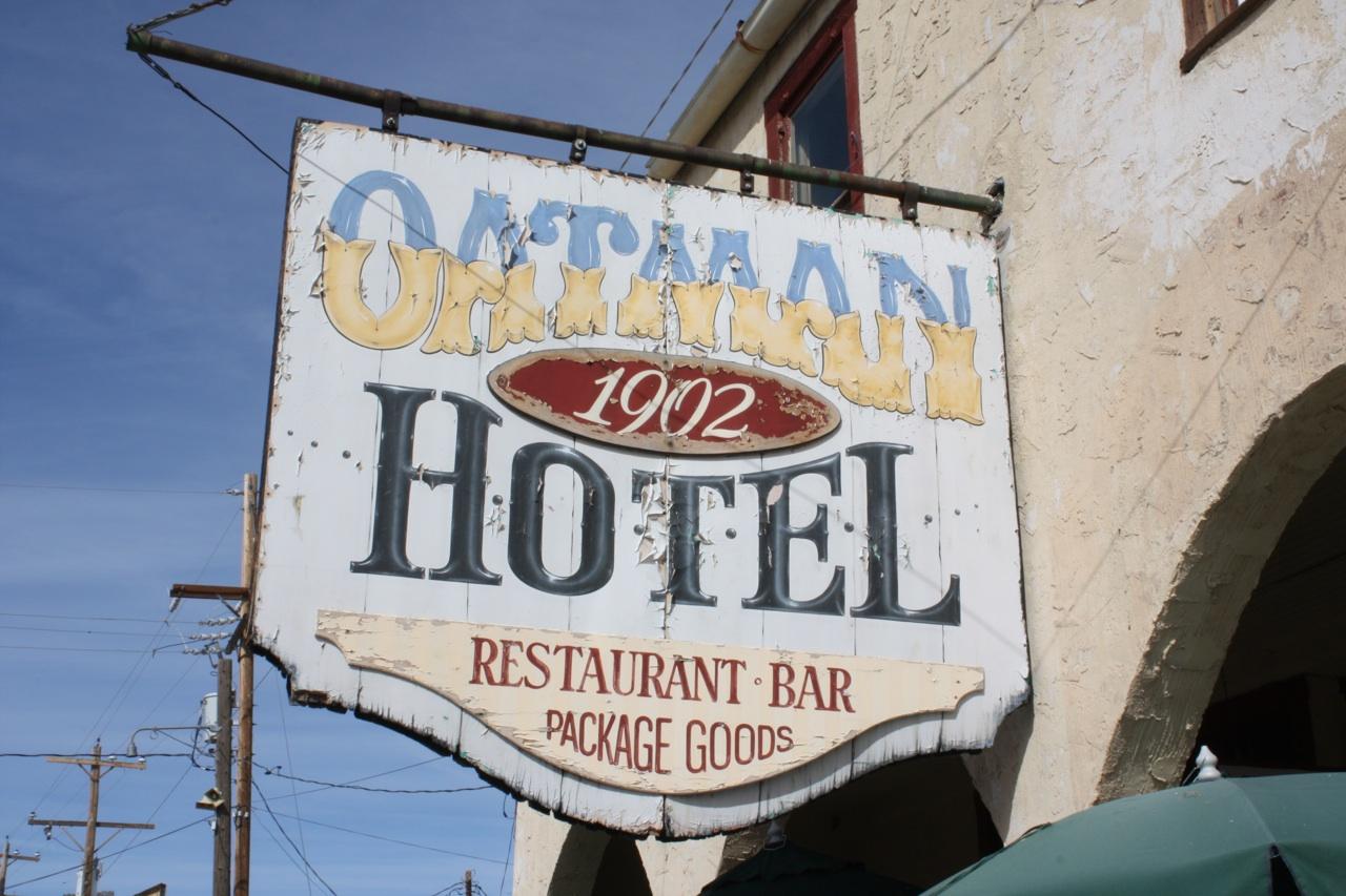 Oatman Hotel & Restaurant