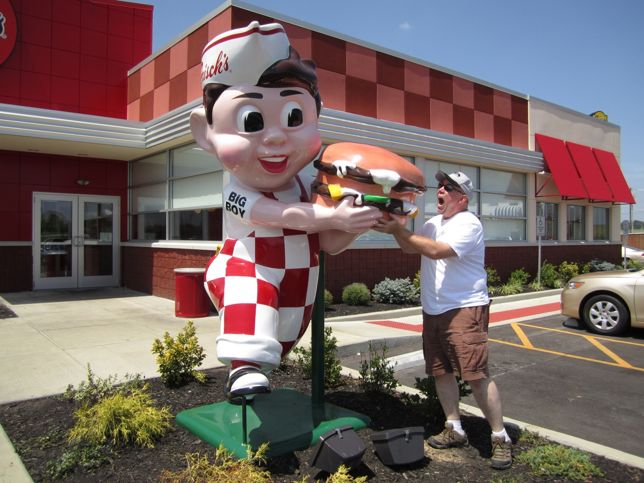 David Trying To Steal Big Boy's Burger