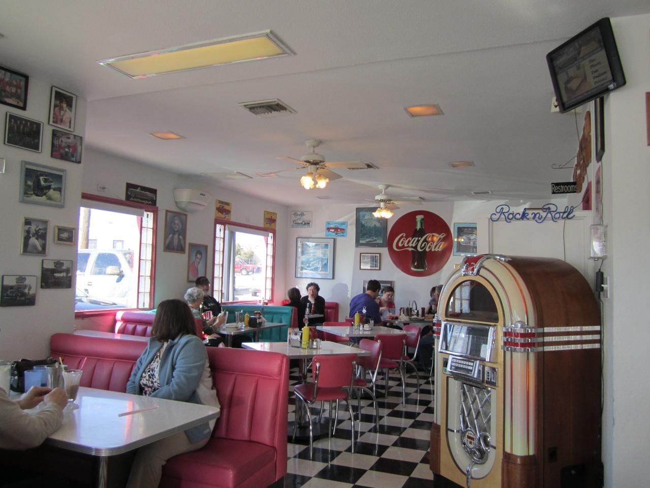 Inside Mr. D's Route 66 Diner