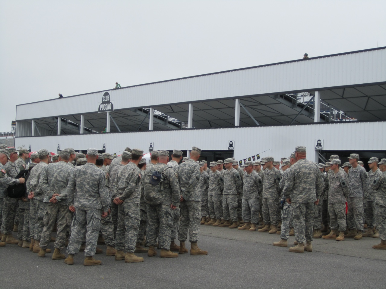 Military Soldiers Getting Ready For The Race