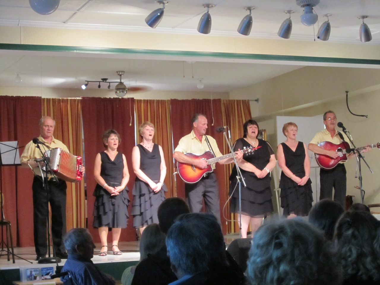 All Around The Circle Dinner Show In Twillingate