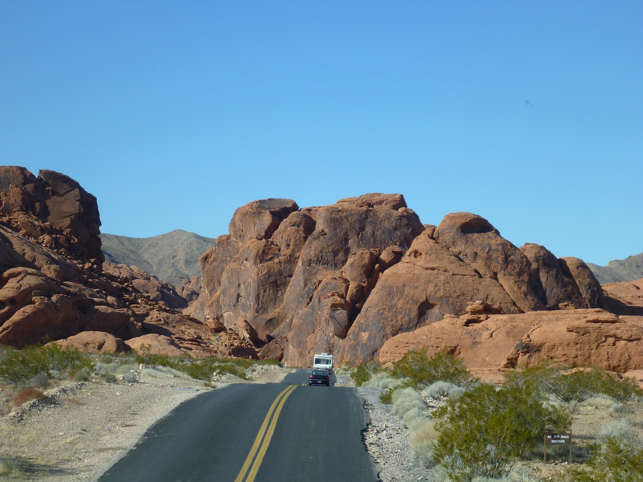 The Road That Leads Into The Campground In The Valley Of Fire State Park