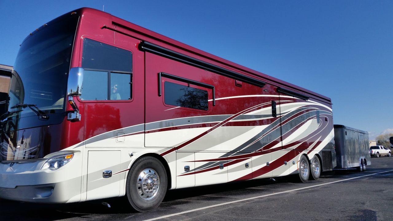 Michael & Loups 2016 45OP Allegro Bus